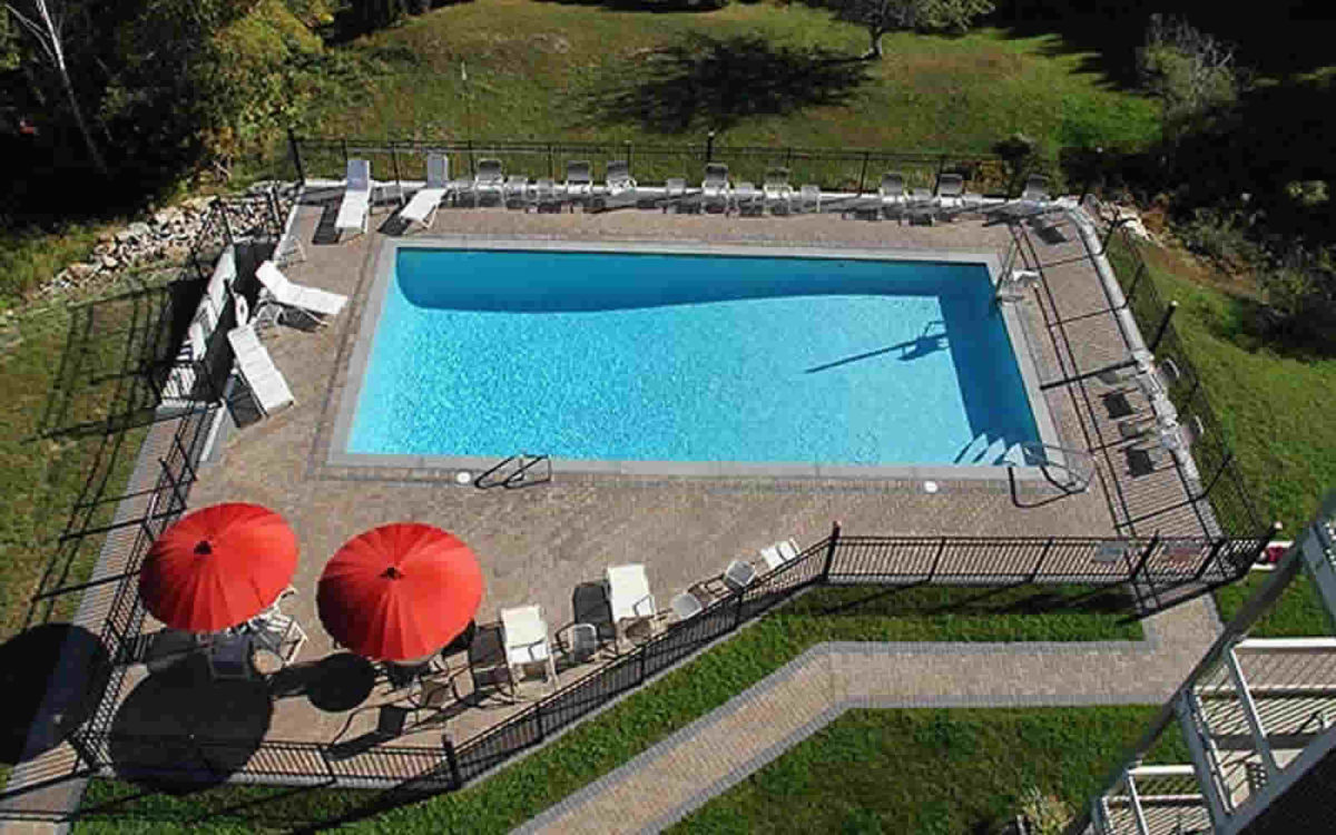atlantic-eyrie-lodge-pool-blog-1200x750.jpg